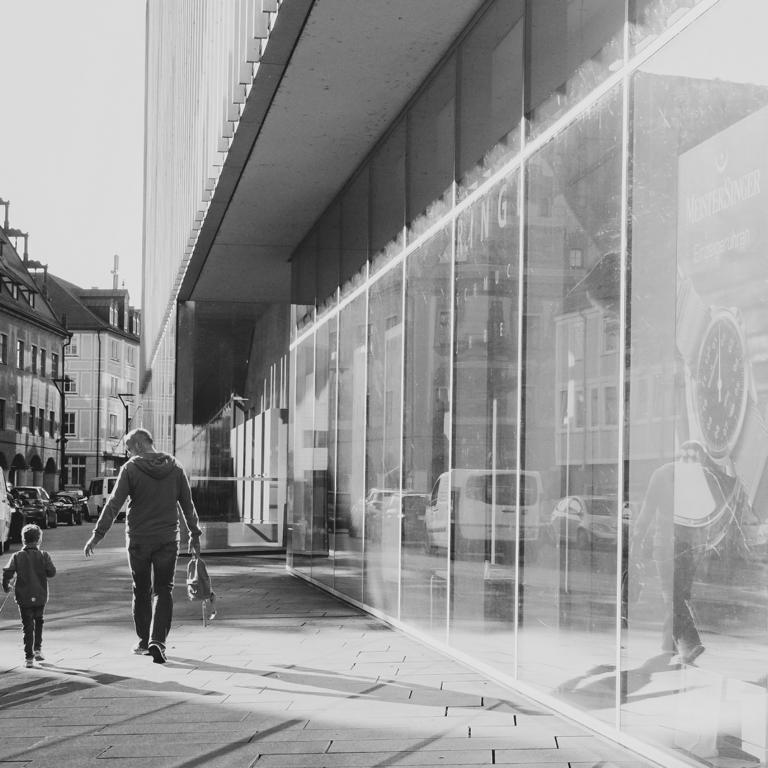 Vater und Sohn Ulm street photography Blog unephotodeceline