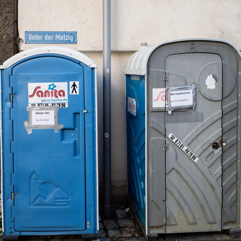 Dixieklo Toilette Handwerker Ulm street photography Blog unephotodeceline